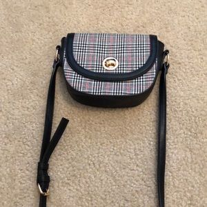 One cross body purse